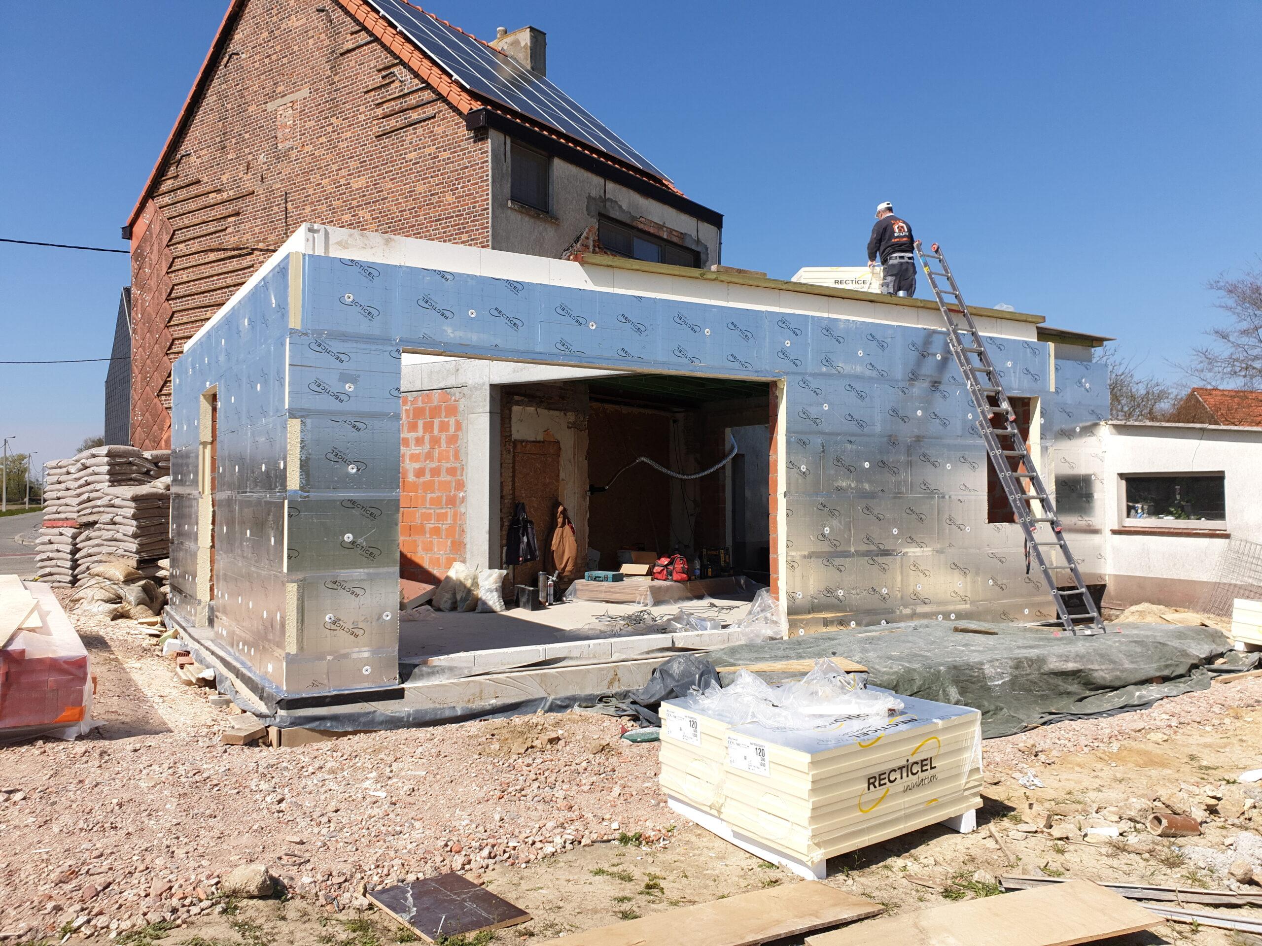 Isolatie plaatsen -Aannemer verbouwingen en renovaties - Entrepreneur transformations et rénovationsIsolatie
